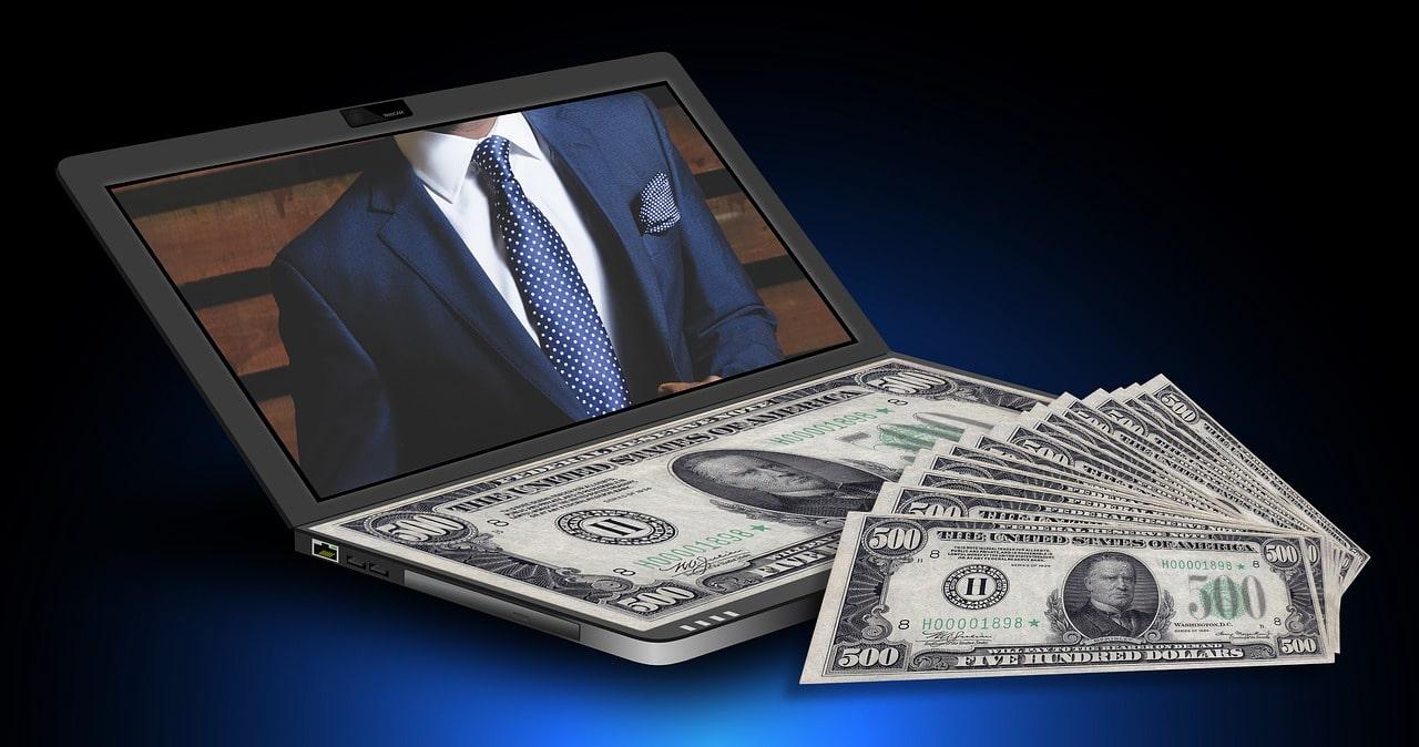 Czy warto brać pożyczki przez internet?