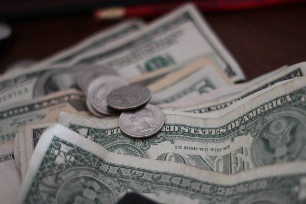 Jak nie stracić na pożyczaniu chwilówki?